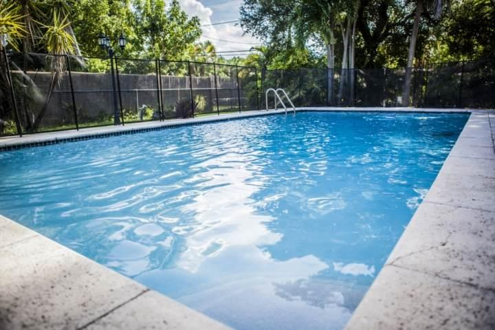 Wonderful pool area. - **Fall Promo** Family Home in Miami Springs with Pool Just Minutes from South Beach & the Airport - Miami - rentals