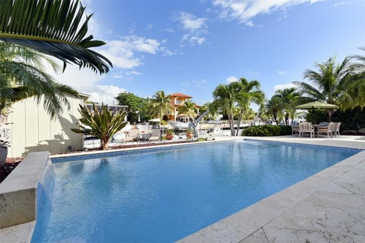Glamorous pool with patio area. - **Fall Promo** Luxurious Key Largo Family Home with Pool & Large Dock - Key Largo - rentals