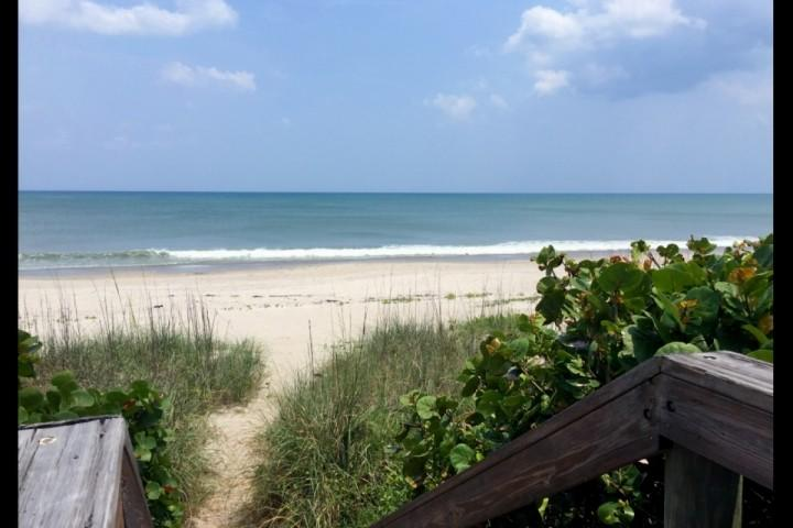 Beautiful beaches of Indiatlantic! - *Fall Promo* Remodeled Beach House, Steps from the Beach, Perfect for Families, Snowbirds! - Indialantic - rentals