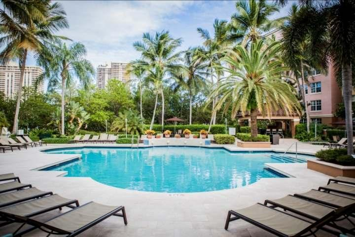 Glamorous pool view of Aventura Yacht Club. - **Fall Promo** Upscale Condo in Aventura - Minutes from Beach & Shopping! - Sunny Isles Beach - rentals
