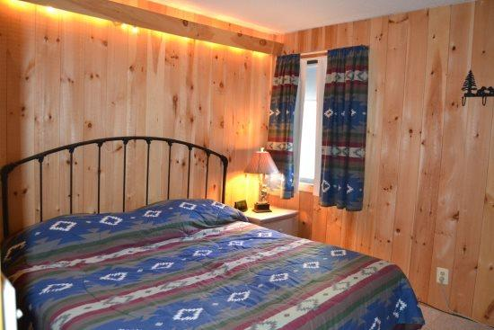 Whiffletree Condo B4 - One bedroom One bathroom Shuttle To Slopes/Ski Home - Image 1 - Killington - rentals
