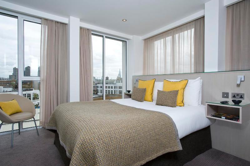 Contemporary 2 Bedroom Apartment in Shoreditch - Image 1 - London - rentals