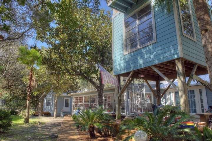 Seaview - PET FRIENDLY Coastal Cottage - Old Seagrove Beach - Image 1 - Seagrove Beach - rentals