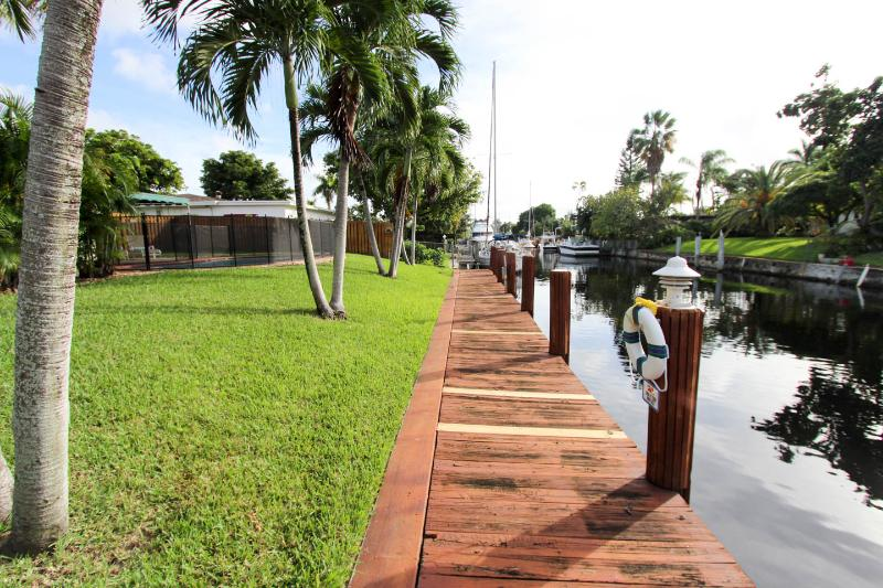 Dock looking South  - Fresh & Clean Waterfront with private pool - Fort Lauderdale - rentals