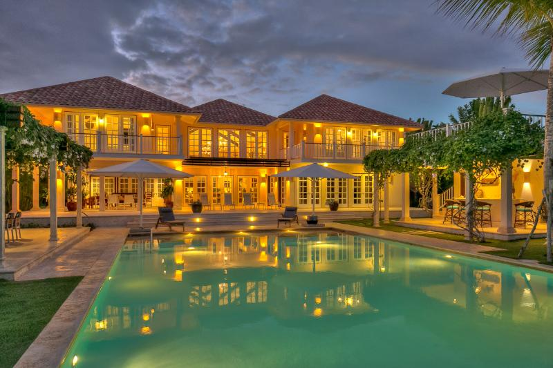 Ideal for Large Groups & Families, Chef & Butler, Huge Pool & Beach Club Access - Image 1 - Punta Cana - rentals