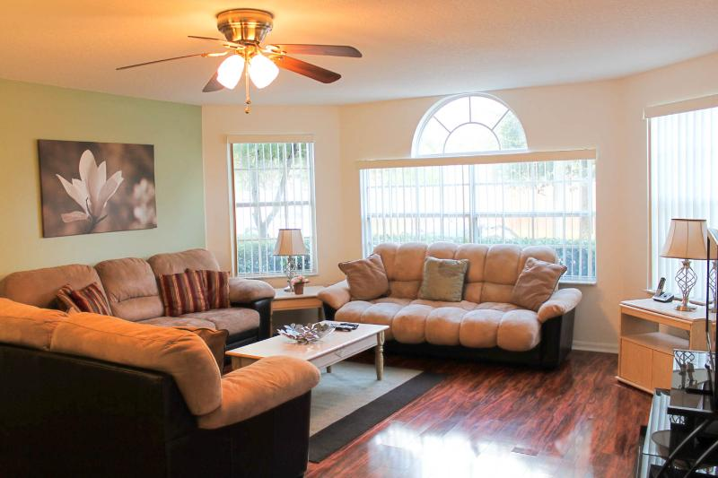 Living Room - Affordable Luxury! Free WiFi, Pool, Long Distance! - Kissimmee - rentals