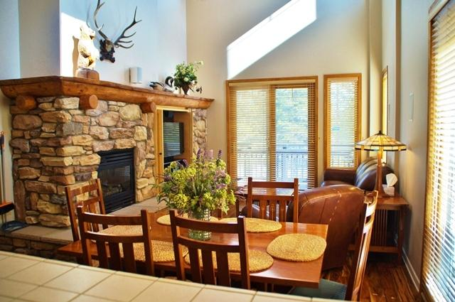 Mammoth Green Sky High Condo - Close to Eagle Lodge - Listing #241 - Image 1 - Mammoth Lakes - rentals
