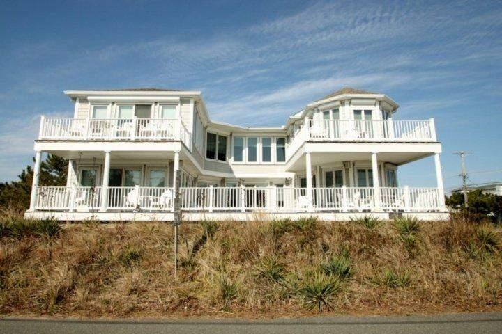 810 Bunting Ave Fenwick Island DE - 2nd House to the Ocean, Elegant Luxury for 10 with Pool, Elevator, Game Room. May & June Wks Avail!! - Fenwick Island - rentals