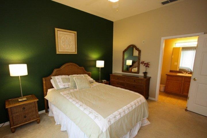 Queen master, Wall Mounted TV - Charming Condo with Balcony at the Bahama Bay Resort - Kissimmee - rentals