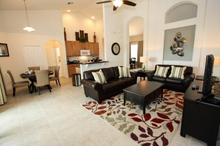 Bright and open living areas - 4072 Solterra - Davenport - rentals
