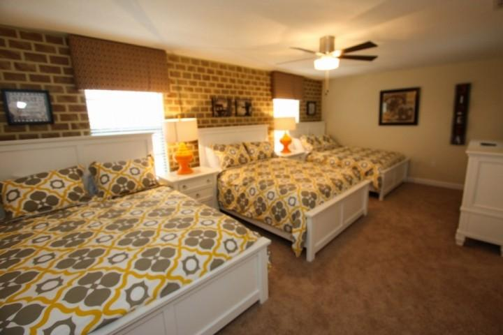 Triple queen bed room with TV, second floor - 1478 Champions Gate - Kissimmee - rentals
