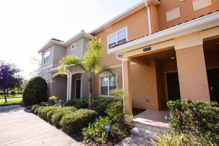4 bed 3 bath town home with pool - 8979 Paradise Palms - Four Corners - rentals