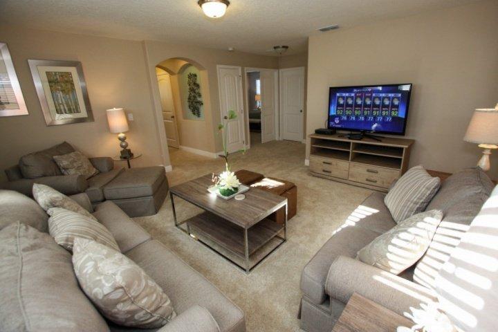 Large second floor Den, sofa sleeper - 4405 Solterra - Davenport - rentals