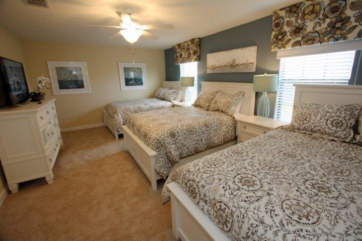 Upstairs triple queen bedroom - 1524 Champions Gate - Davenport - rentals