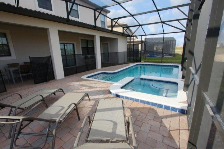 Inviting Pool & Spa w/Sun Loungers - 1437 Champions Gate - Davenport - rentals