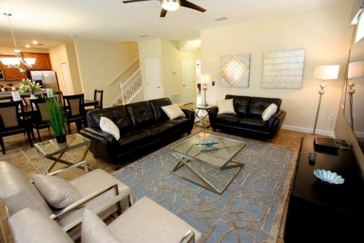 Beautiful Living Area w/Flat Screen TV & Pool Access - 1457 Champions Gate - Davenport - rentals