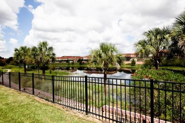 Beatiful back yard lake view - Encantada Vacation Rental with Hot Tub, in Kissimmee - Kissimmee - rentals