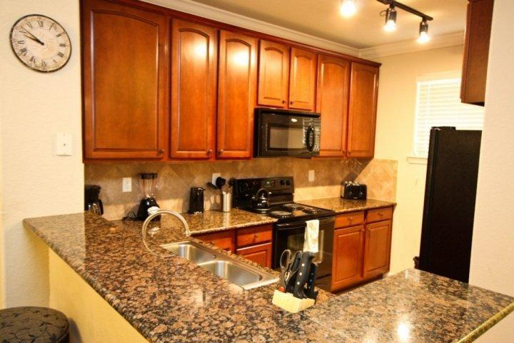 Fully stocked kitchen, granite - 902 Bella Piazza - Davenport - rentals
