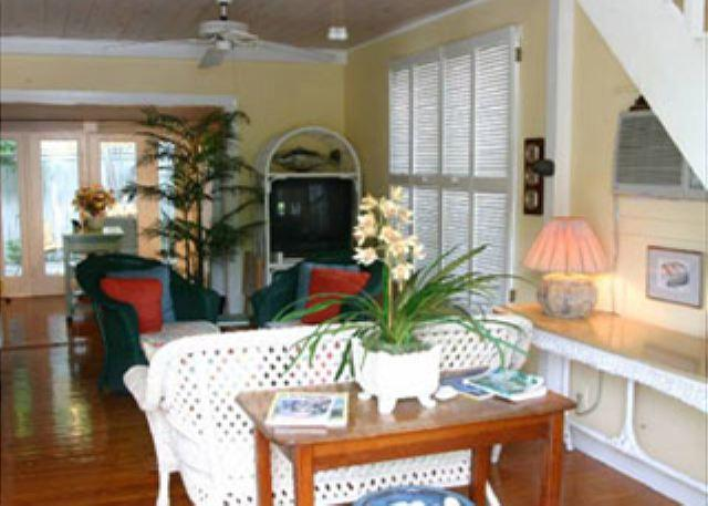 Two Bedroom one bath Cigar Makers Apartment Downtown Key West - Image 1 - Key West - rentals
