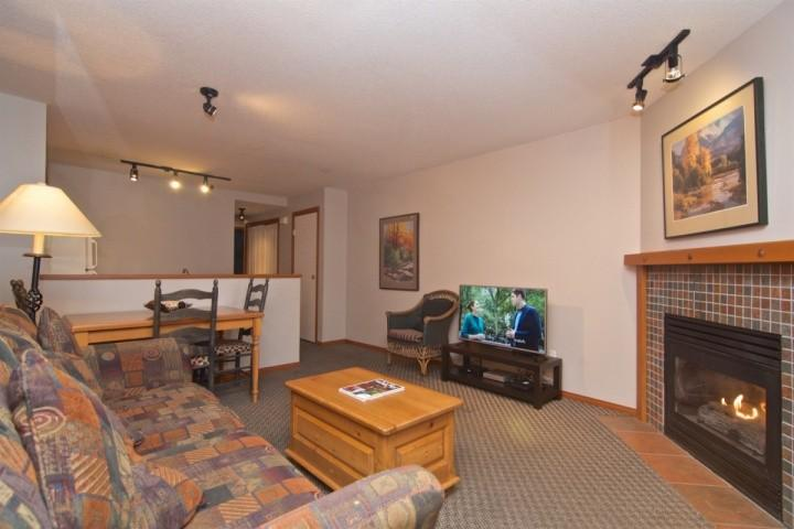 Glacier Reach Townhouse with private hot tub, Unit #38 - Image 1 - Whistler - rentals