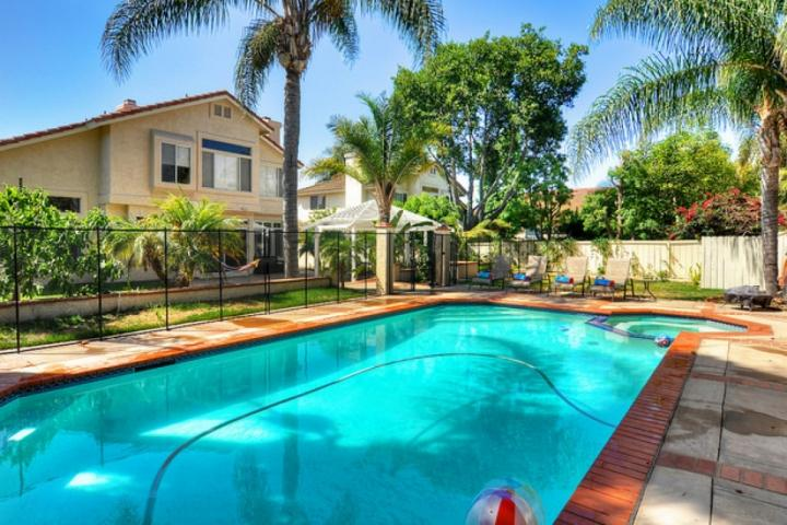 Pool, hot tub/spa with child safety fence - Family Paradise with Private Pool - Oceanside - rentals