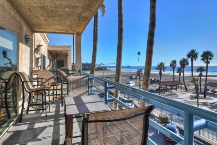 Seating for 6 on the Patio with Ocean View - Penthouse - Ocean & Beach View 401A - Oceanside - rentals
