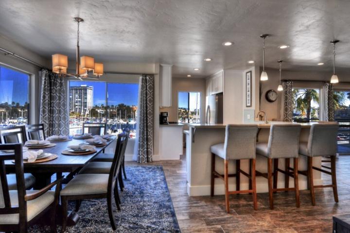 Marina Del Mar Penthouse 401B Harbor & Ocean View - Image 1 - Oceanside - rentals