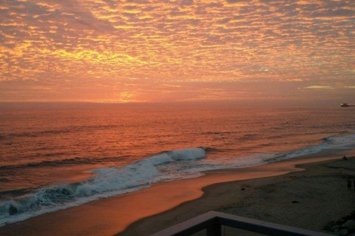 Views! Right on the beach! - Image 1 - Oceanside - rentals