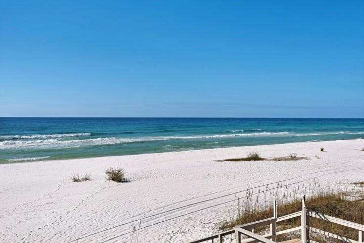 Spacious new construction unit beautifully decorated and steps to the beach At Alerio! - Image 1 - Miramar Beach - rentals
