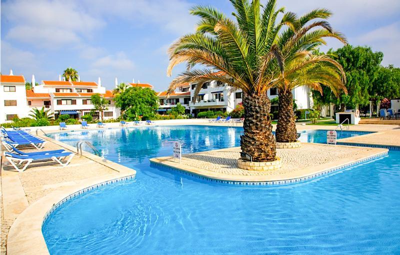 Lakeside Village - Casa Lindeza - Image 1 - Portugal - rentals
