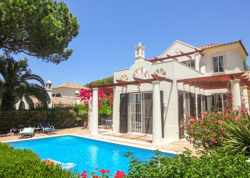 Pinheiros Altos - Casa do Sorriso - Image 1 - Portugal - rentals
