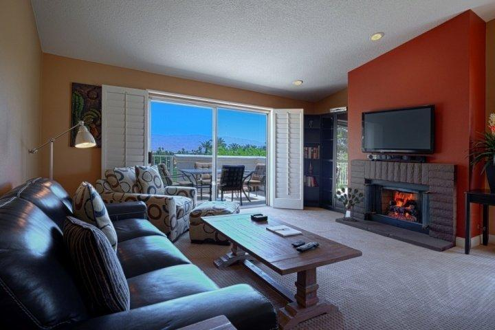 Spacious Open living room with mountain views - Bright and Breezy with Panoramic Mountain Views - Free Tennis & Fitness Desert - Palm Desert - rentals