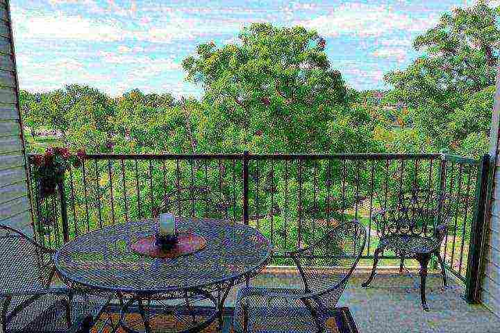 Private Covered Deck. Golf Course Through the Trees - Holiday Hills Penthouse 2BDR (H-11) - Branson - rentals
