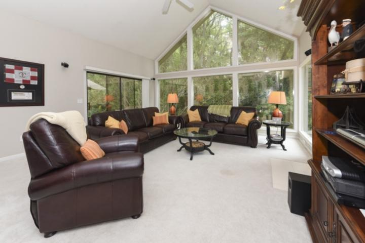 Comfortable Family Room with Cathedral Ceiling and Natural Light - Perfect Sea Pines Getaway Home - Quiet Neighborhood - Loaded with Amenities - Hilton Head - rentals