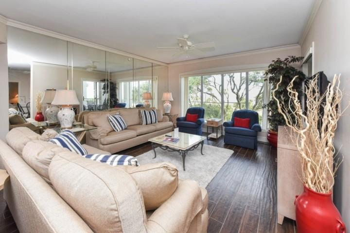 Family Room with Incredible Ocean Views - Spectacular Ocean Front 3BR Villa in Palmetto Dunes - Fantastic Ocean Views - Hilton Head - rentals
