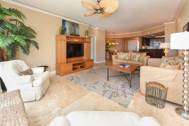 Family Room, Dining & Kitchen - Open Floor Plan - Spectacular Ocean Front 2BR Villa - Amazing Views From Every Room - No - Hilton Head - rentals