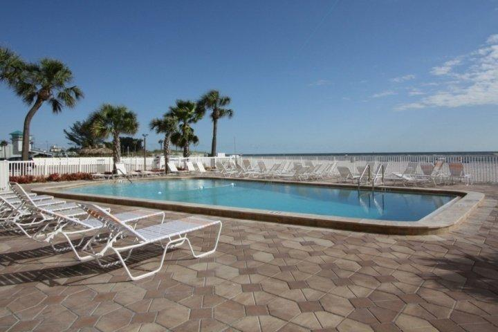 Beachfront Pool Area - 211 - Sandy Shores - Madeira Beach - rentals