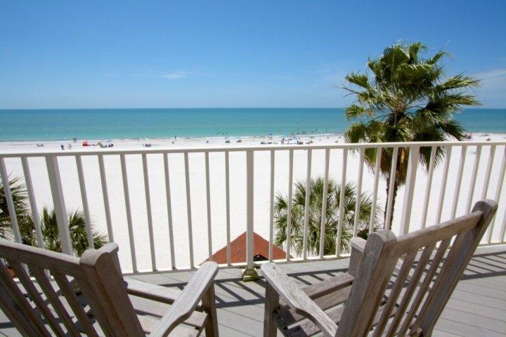Masterbedroom Balcony View of the Reddington Beach and the Gulf of Mexico - 224 - Sunset Reef - Redington Shores - rentals