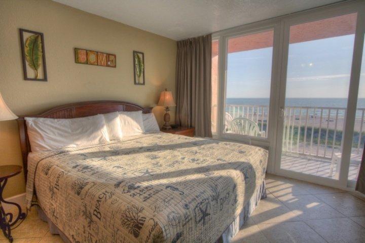307 - Island Inn - Image 1 - Treasure Island - rentals