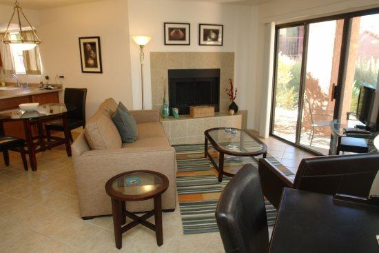 liviing room  - Ventana Vista 1179 - Tucson - rentals