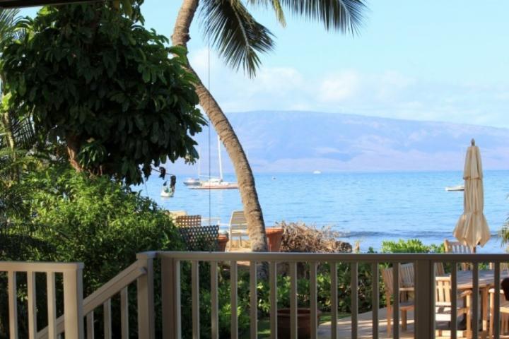 Beachfront Stunning Lahaina Beach House - Image 1 - Lahaina - rentals