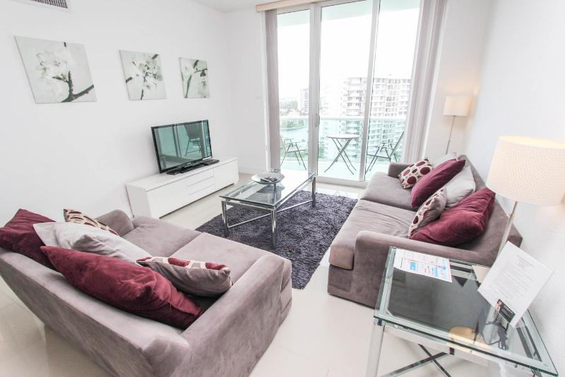 Beautiful Apartment on the beach, Fully Furnished - Image 1 - Hollywood - rentals