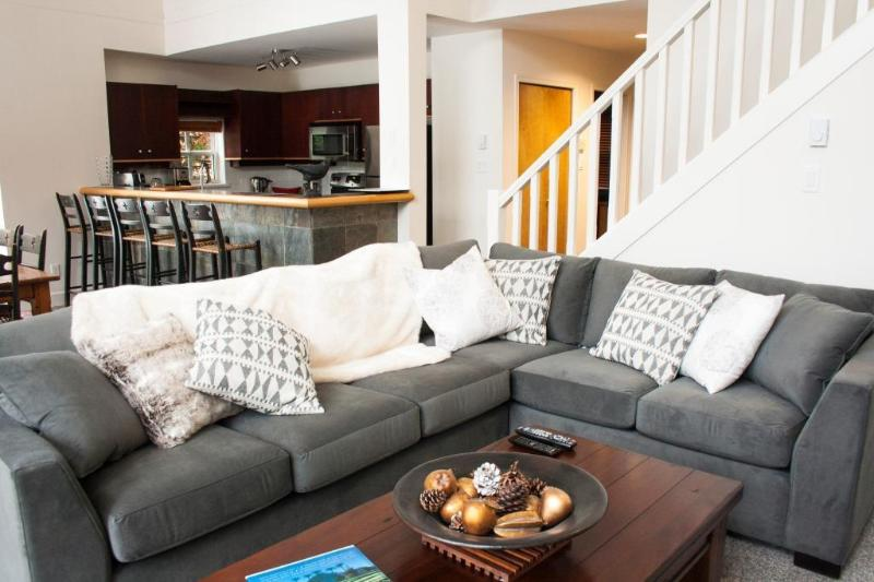 'Alpine Greens' Large 3BR townhome on 1st fairway of the Fairmont Golf Course! - Image 1 - Whistler - rentals