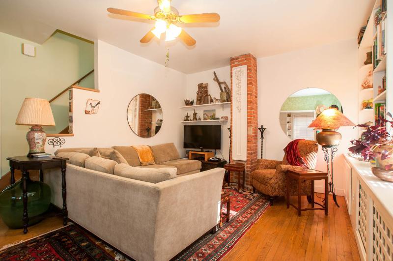 Historic DC: MONROE HOUSE in Arts District - Image 1 - Washington DC - rentals