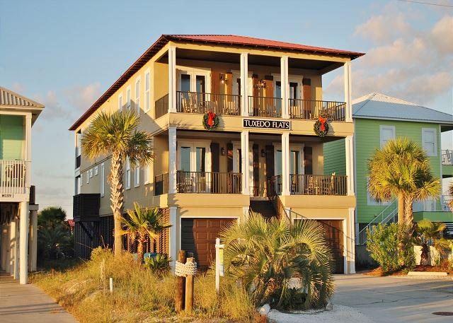 'Tuxedo Flats' POOL, Elevator, Basketball Ct - Image 1 - Gulf Shores - rentals