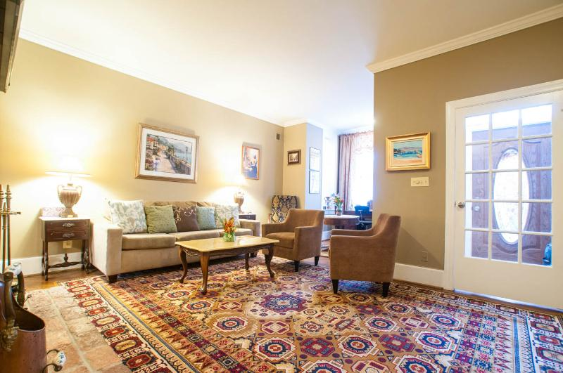 Beautiful townhouse! 10 minutes walking to Capitol - Image 1 - Washington DC - rentals