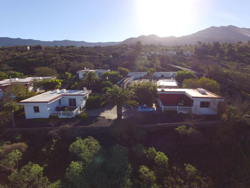 Los Guanches bungalows,double bedroom,great views. - Image 1 - El Paso - rentals