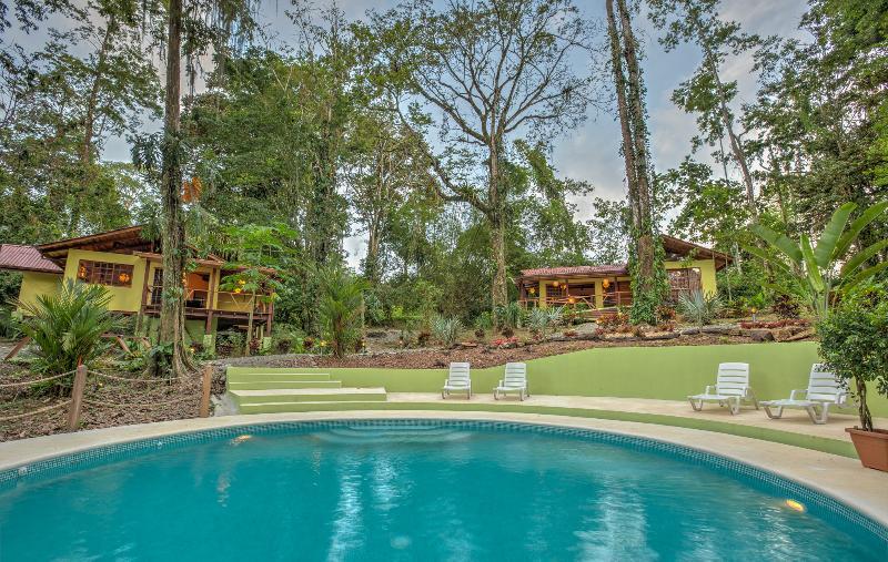 Casas Medina and Evelyn - Casa Evelyn with Jungle Pool - Puerto Viejo de Talamanca - rentals