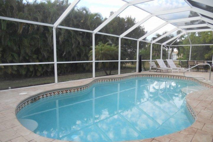 Beautiful Heated Swimming Pool - Wonderful Cape Coral Home - Cape Coral - rentals