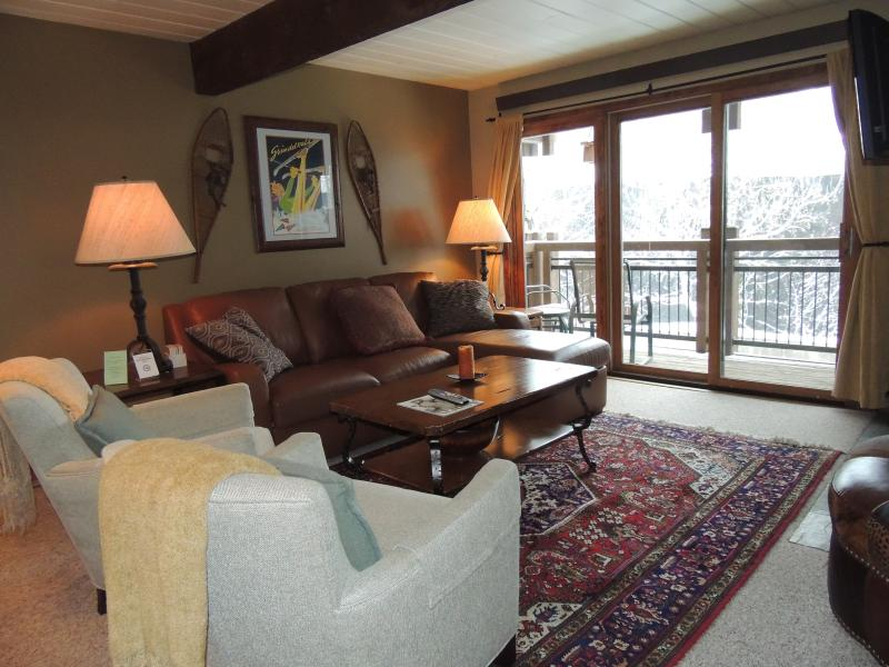 Living-room - Amazing 2 Bedroom & 2 Bathroom Condo in Aspen (Lift One - 307 - 2B/2B) - Aspen - rentals